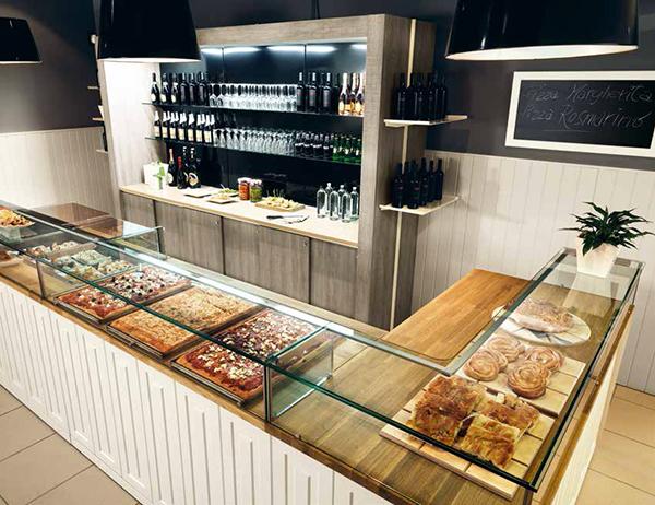 Arredamento per negozi di panetteria pizzeria e for Arredamenti per negozi di gastronomia