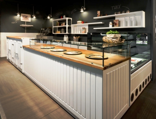 Arredamenti per negozi a roma e nel lazio realizzati per i for Arredamento gastronomia